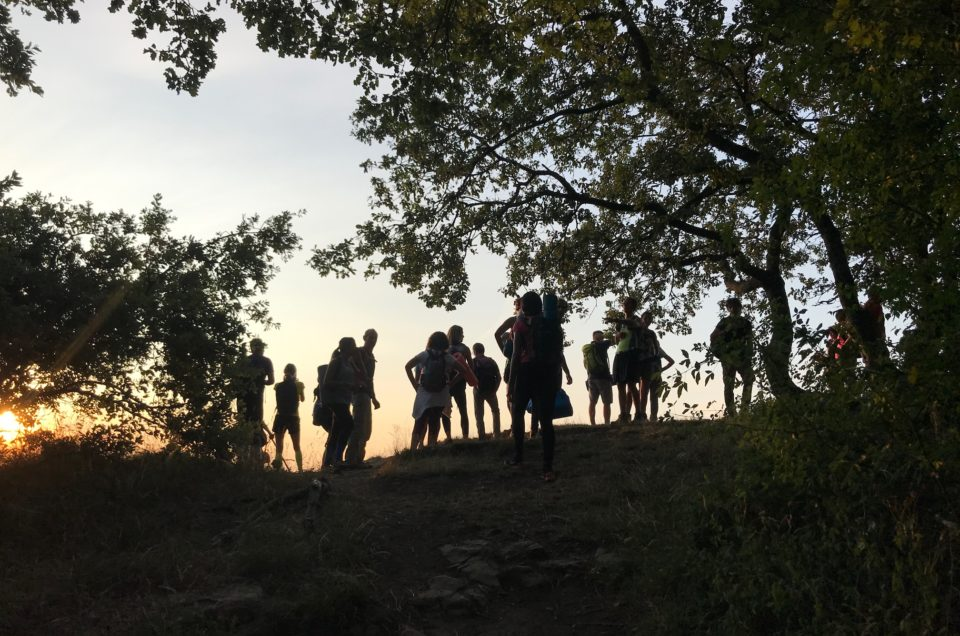 Trekking & Yoga all'alba sulla Pietra di Bismantova – domenica 21 luglio