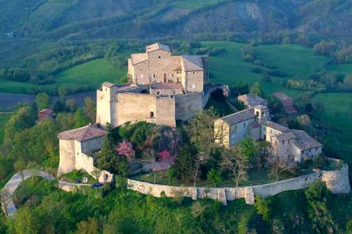 Trek&Yoga nel Castello di Rossena – domenica 16 dicembre