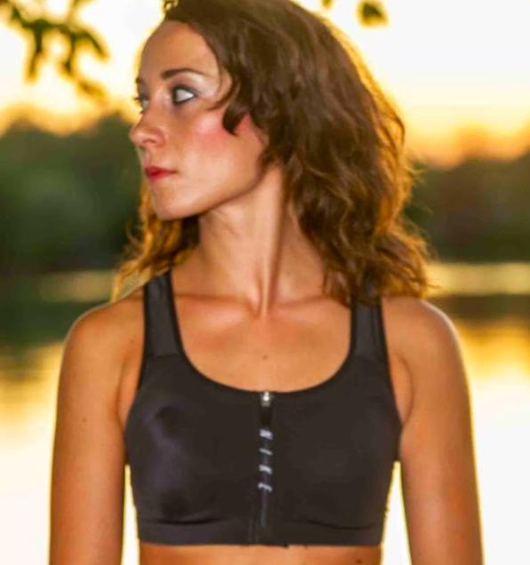 Claudia Fontanesi, insegnante yoga, lezioni private